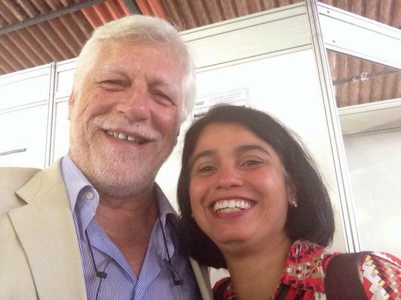 Prof. Romeu Carillo Jr. e Profª. Carla Holandino